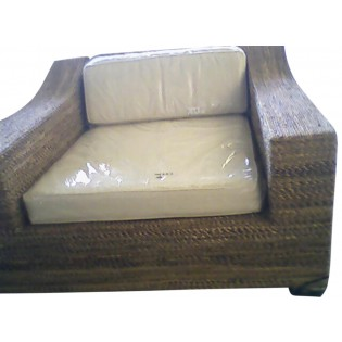 Petit canape en bois de bananier avec coussins