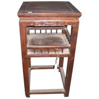 antico tavolino alto