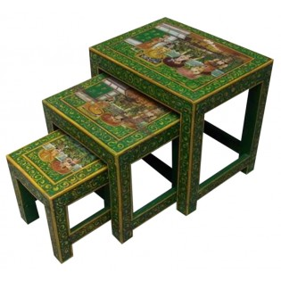 Tavolino basso dipinto (il medio della foto)