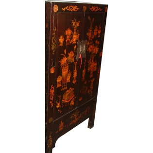 Gabinete alto antiguo decorado