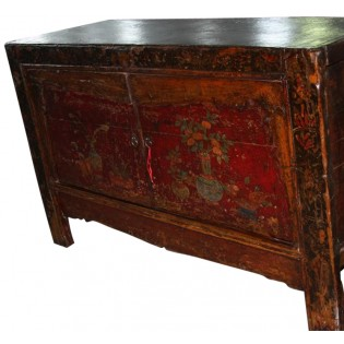 Mueble antiguo chino decorado