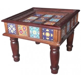 Mesa de centro con inserciones de ceramica